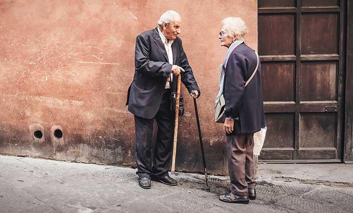 Best-Velcro-Shoes-for-Elderly