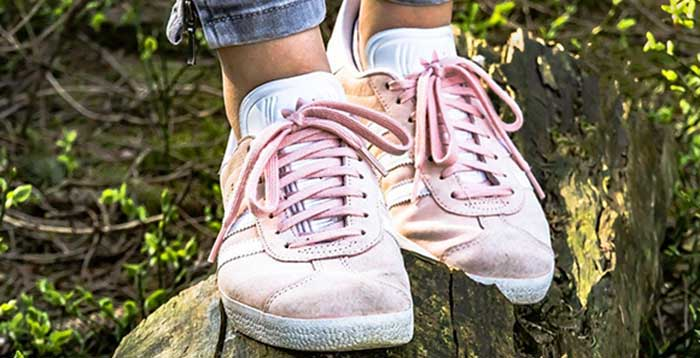 How-to-Clean-White-Mesh-Shoes
