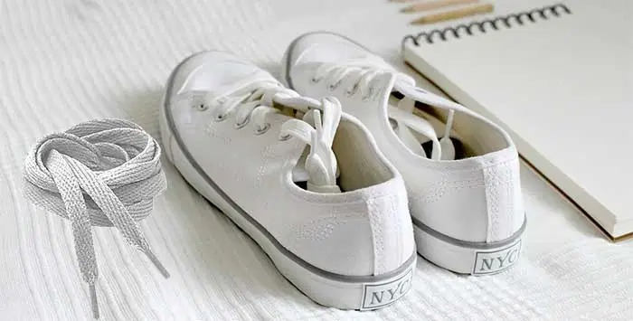 How-to-Clean-White-Shoelaces